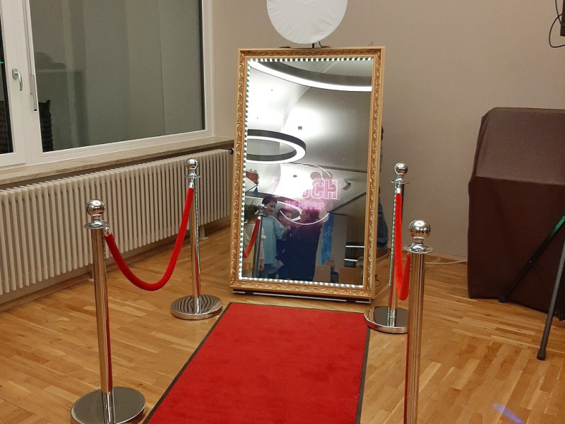 SelfieAlarm Fotobox Spiegel Mirror Booth